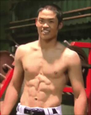 根尾昴腹筋筋肉