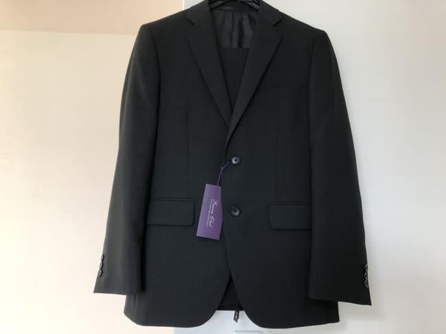 新入社員 スーツ 色 黒